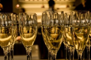 ceremony-champagne-new-years-eve-3941-528x350